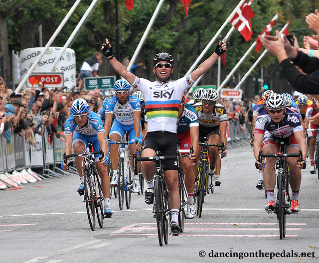 Cav Wins (Photo: dancingonthepedals.net)