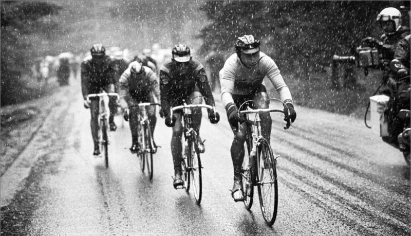 Hinault leading the chase