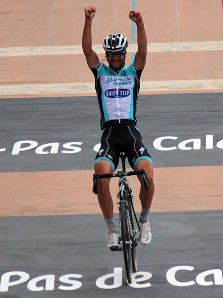 Tom Boonen celebrates in classic style (Photo: Roxanne King Flickr CC)