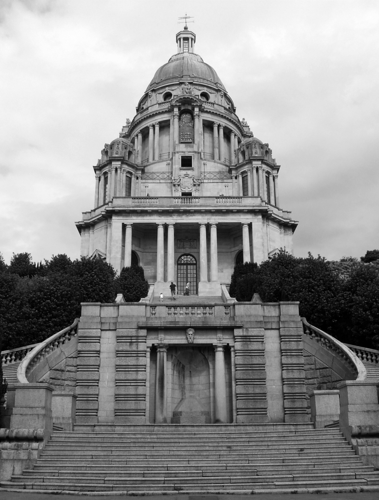 Ashton Memorial - would you ride down these steps in the dark? (Photo: Luke Addison - Flickr CC)