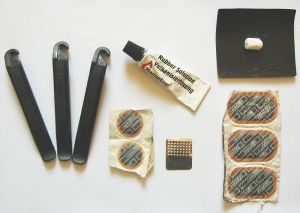 Puncture Repair Kit (Photo: Bjorn Appel - Wikimedia Commons)