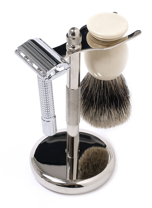Here's the shaving kit, now off you go! (Photo: Evan-Amos Public Domain - Wikimedia)