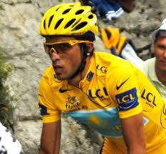 Alberto Contador and his nose tape (Image: Wikimedia CC)