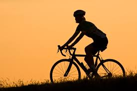 Cycling in the gloom (Image: dahlstroms Flickr CC)