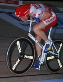 Graeme Obree in his famous chest-first riding position (Image: Public Domain via Wikipedia)