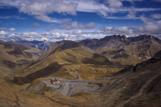View from the Col du Galibier (Image: via Wikimedia cc)
