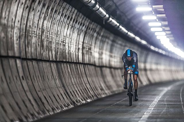 Chris_Froome_-_The_First_Man_to_Cycle_through_the_Eurotunnel_(14570544596)