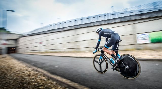 Chris_Froome_-_The_First_Man_to_Cycle_through_the_Eurotunnel_(14570525876).jpg