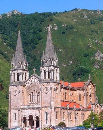 basilica covadonga.jpg